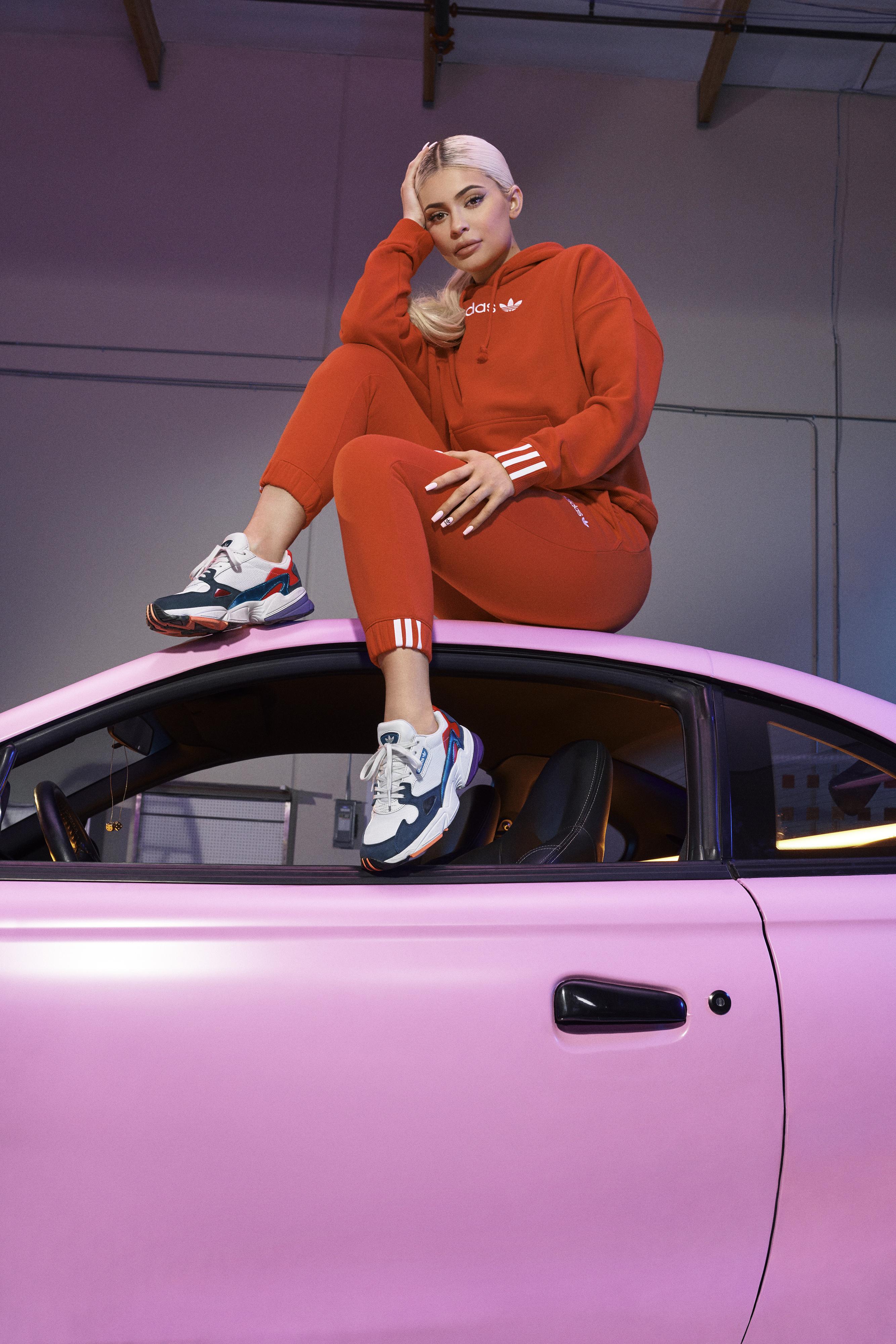 adidas Originals- Falcon- Kylie Jenner